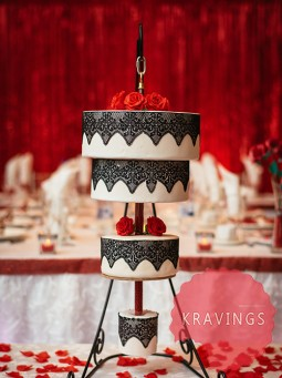 upside-down-hanging-cake
